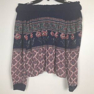 Hollister Off the Shoulder Blouse Roses Small